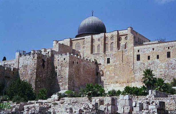 صهیونیست ها اسناد اوقاف شهر قدس در مسجد الاقصی را سرقت کردند