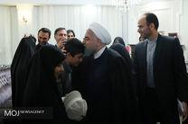 دیدار رییس جمهور با خانواده شهید مظفر و جانباز رحمانی