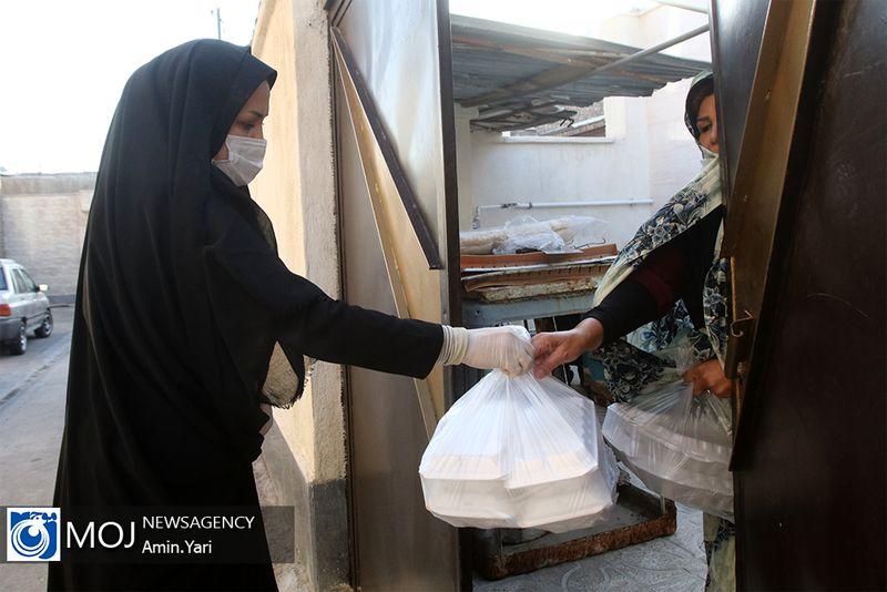 توزیع ۱۵۰ هزار پرس عذای گرم بین مددجویان کمیته امداد در اصفهان
