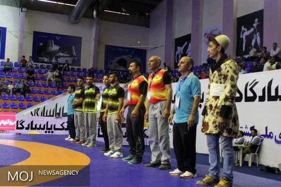 مراسم توزیع مدال لیگ باشگاههای کشتی کشور در خرم آباد برگزار شد