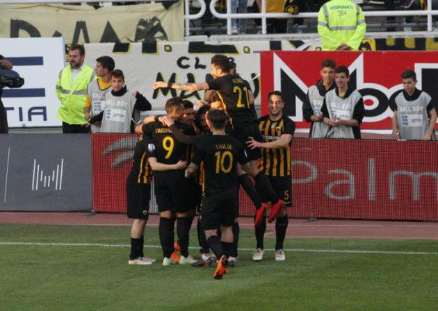 شجاعی همراه تیم آ اِ ک آتن به قهرمانی در لیگ یونان دست یافت