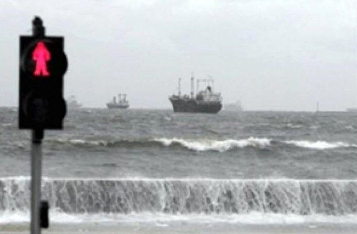 ممنوعیت تردد دریایی در مسیر بندرعباس ـ قشم