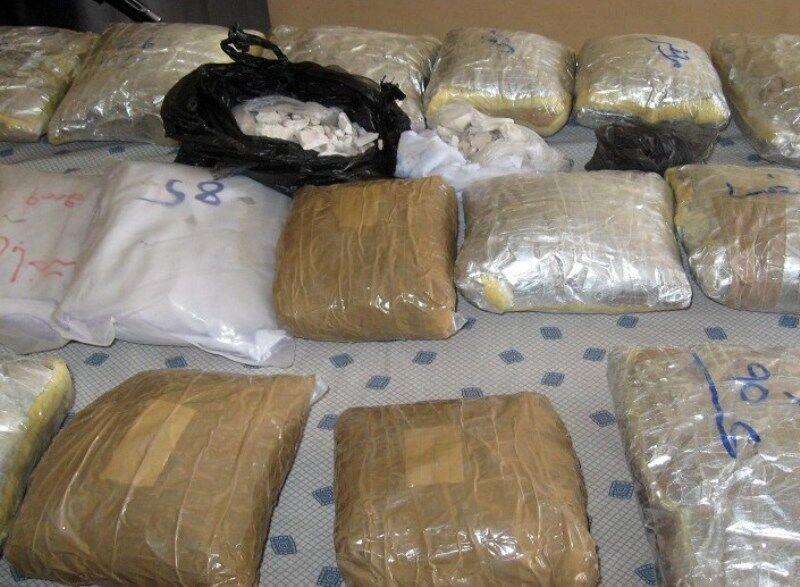 دستگیری 2 قاچاقچی مواد مخدر در همدان