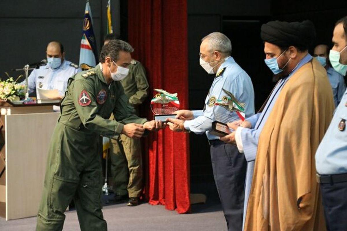 برگزاری مراسم دانش آموختگی خلبانان پایگاه هوایی شهید لشکری