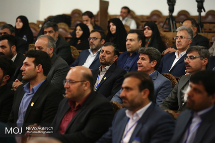 دیدار معلمان نمونه سراسر کشور با علی لاریجانی