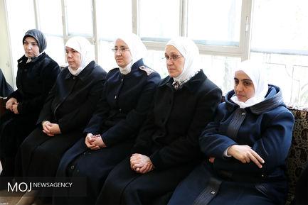 دیدار وزیر اوقاف و جمعی از علمای سوریه با مقام معظم رهبری