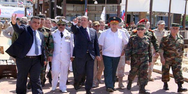 نماینده ویژه بشار اسد از پایگاه طرطوس دیدن کرد