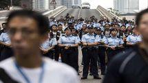 پلیس هنگ کنگ به سمت معترضان، گاز اشک آور شلیک کرد