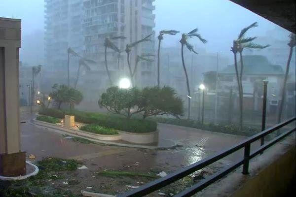 طوفان ژاپن 2 کشته و صدها مجروح برجا گذاشت