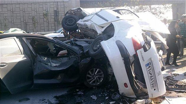 برخورد دو خودروی پژو و پراید 2 نفر را به کام مرگ کشاند
