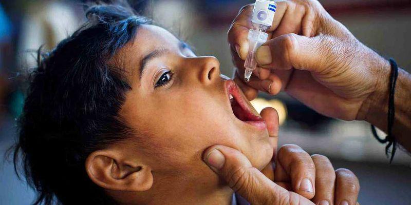 یک روز تا پایان طرح تکمیلی واکسیناسیون فلج اطفال/۱۲۲ هزار و ۸۴۷ کودک زیر پنج سال واکسینه شدند