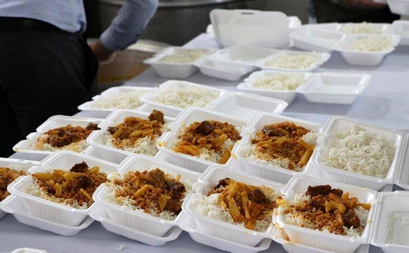 اهدا 918 سبد غذایی بین نیازمندان منطقه سه بندرعباس