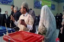 عروس و داماد همدانی پای صندوق رأی حاضر شدند