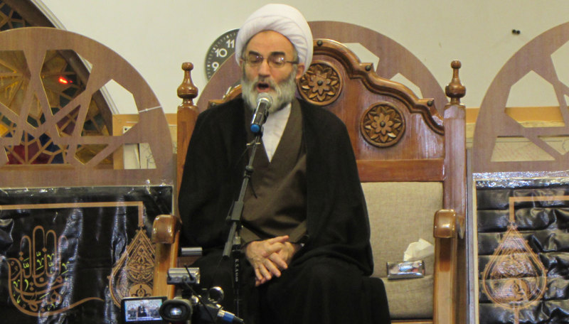 ملت ایران در مقابل قدرتهای استکباری ایستاده است