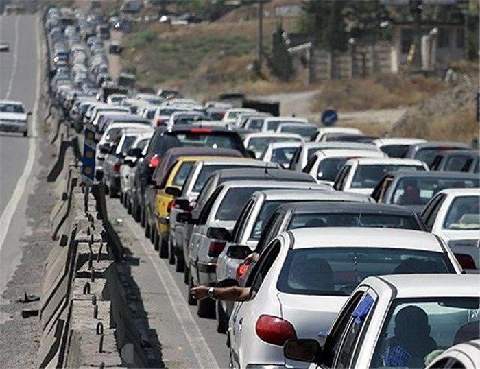 ترافیک نیمه سنگین در آزاد راه تهران-کرج/ بارش برف و باران در استان کرمان