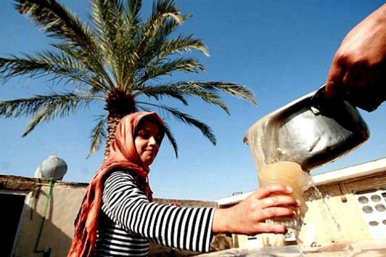 معضل ادامه دار آب اهواز/مراکز بهداشت به صورت حقوقی پیگیر وضعیت آب اهواز خواهند شد