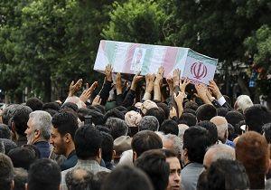 پیکر مطهر شهید مدافع حرم علی آقایی در اردبیل تشییع شد