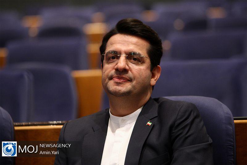 روایت توئیتری موسوی از اولین نشست خبری خود در خارج از تهران