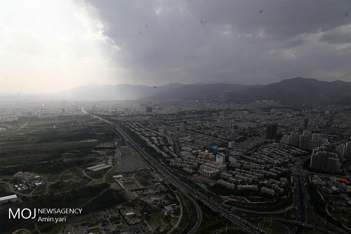 کیفیت هوای تهران ۵ اردیبهشت ۱۴۰۰/شاخص کیفیت هوا به ۶۱ رسید