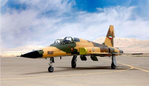 لبیک به رهبری با ساخت جنگنده ایرانی/دنیا شناختی از جنگنده ایرانی ندارد