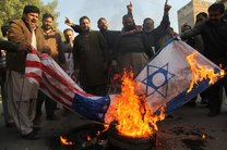 نمازگزاران قمی در راهپیمایی ضد آمریکایی انتخاب قدس را بهعنوان پایتخت رژیم صهیونیستی محکوم کردند