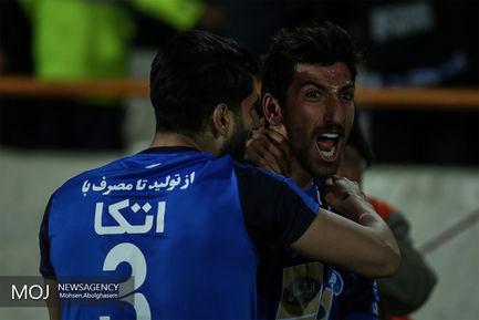 دیدار تیم های فوتبال استقلال تهران و نساجی مازندران