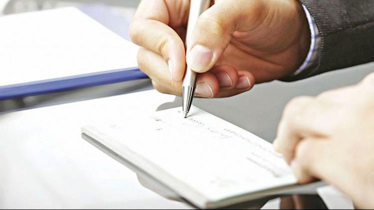 از فروردینماه سال آینده، پرداخت چک های جدید منوط به ثبت در سامانه صیاد است
