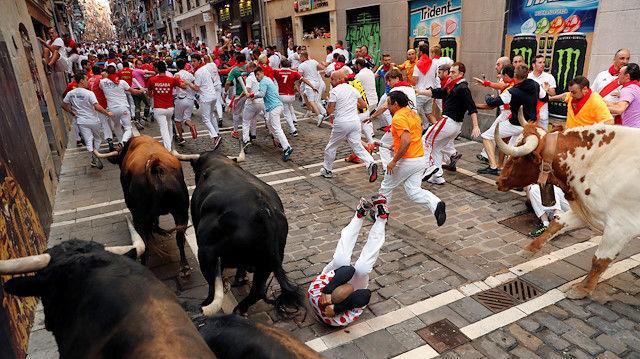 5 مجروح در هفتمین روز از جشنواره گاوبازی در پامپلونا اسپانیا