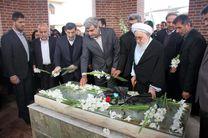 ادای احترام نماینده ولی فقیه در گیلان و استاندار به مقام شامخ میرزاکوچک جنگلی