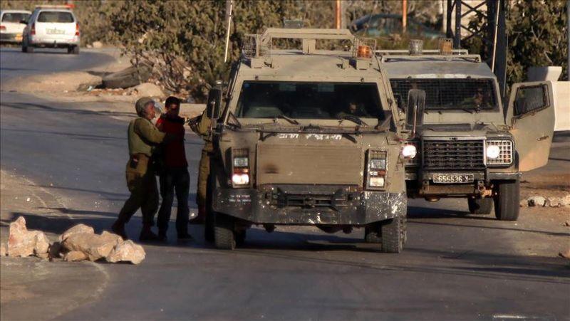 رژیم صهیونیستی ۱۰ فلسطینی را در کرانه باختری بازداشت کرد