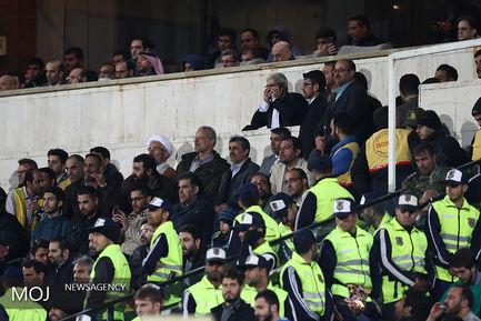 حضور محمود احمدی نژاد در دیدار تیم های فوتبال استقلال ایران و العین امارات