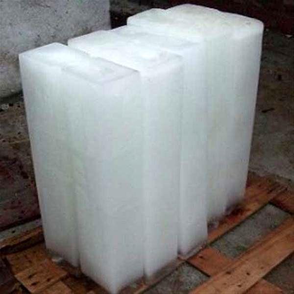 آغاز به کار 20 دکه فروش یخ بهداشتی و صنعتی در مشهد