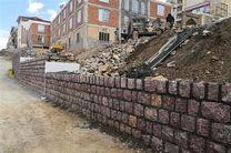 اجرای عملیات دیوار حائل سنگی و هدایت آبهای سطحی شهرک ارشاد