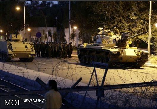 شمار پرسنل نظامی بازداشت شده در ترکیه به ۱۵۶۳ نفر رسید