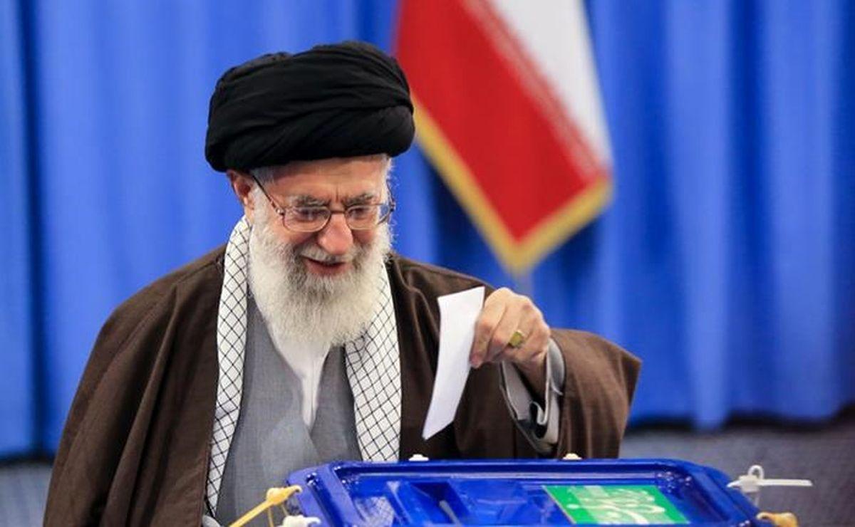 رهبر انقلاب ساعت ۷ صبح  فردا رای خود را به صندوق خواهند انداخت