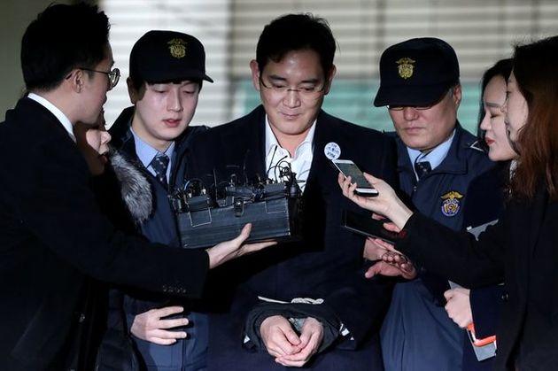 ادامه بازجویی دادستانهای کره جنوبی از مدیر سامسونگ