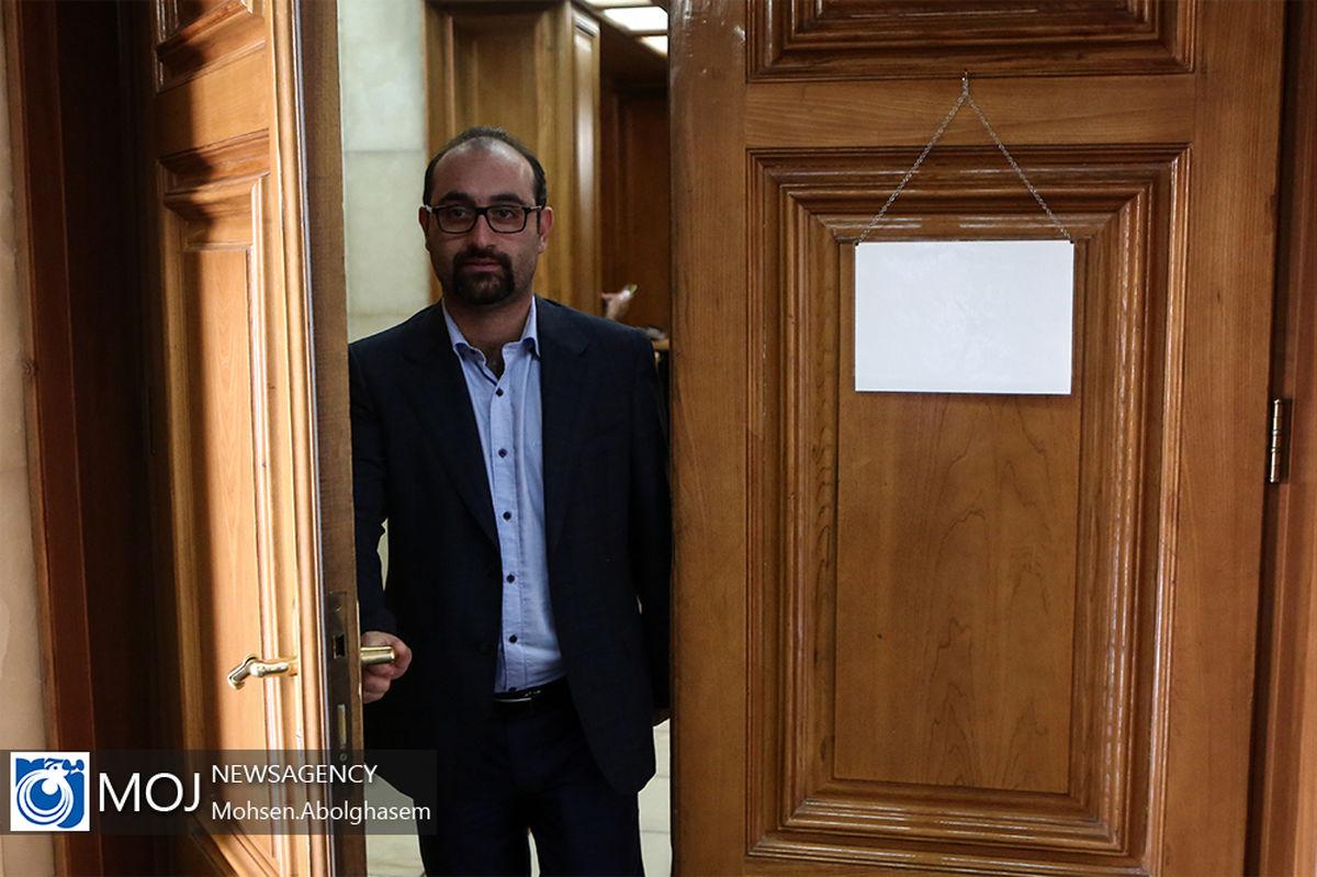 انتقاد عضو شورای شهر به عدم اجرای قوانین مربوط به ایثارگران شاغل در شهرداری تهران