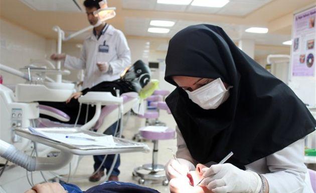 ارائه جدیدترین دستاوردهای علمی در حوزه دندانپزشکی/بررسی عوارض ایمپیلنت