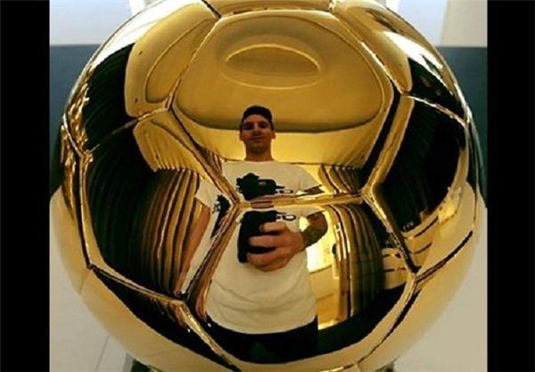 تبریک نیمار به مسی بابت کسب توپ طلا