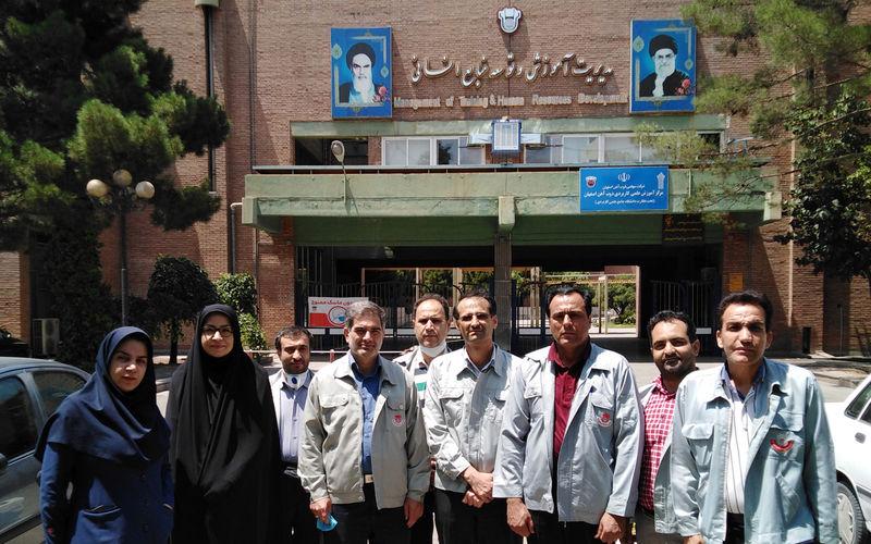 درخشش دانشگاه علمی کاربردی مرکز ذوب آهن اصفهان
