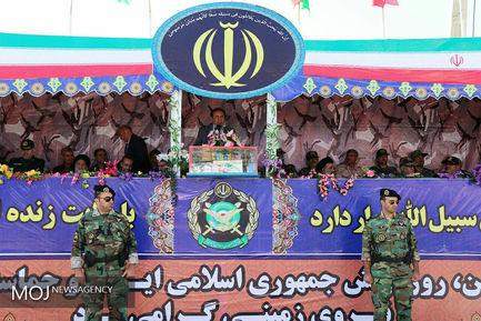 رژه یگان های نمونه ارتش در خرم آباد