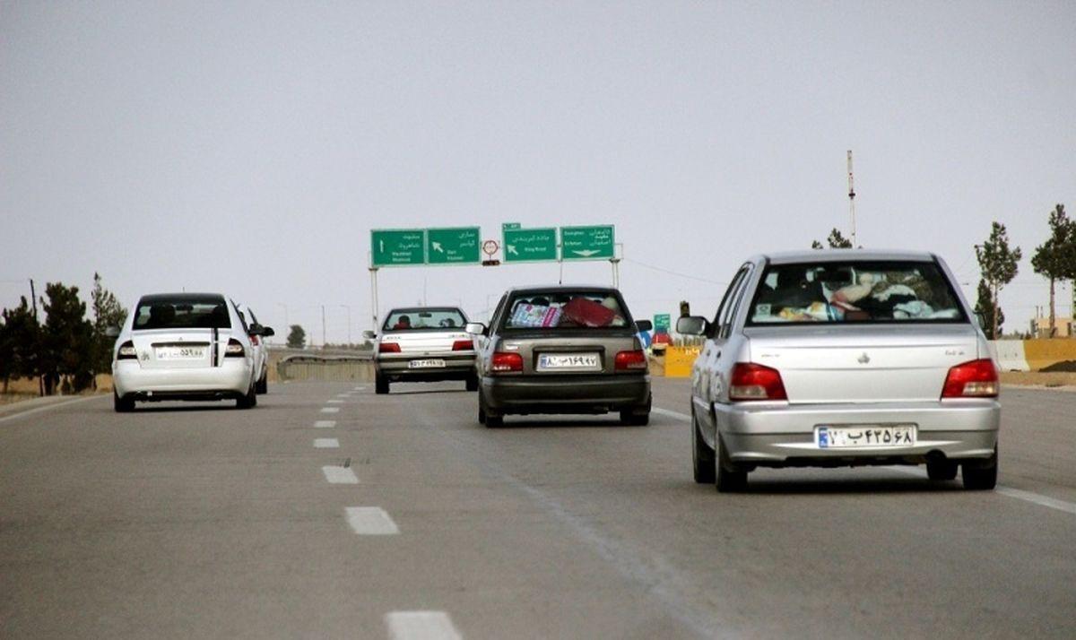 کاهش ۳۲ درصدی تردد خودروهای شخصی در جادهها