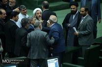تلاش دولت برای سهمیه بندی و افزایش قیمت بنزین/ تنش در جلسه غیرعلنی مجلس