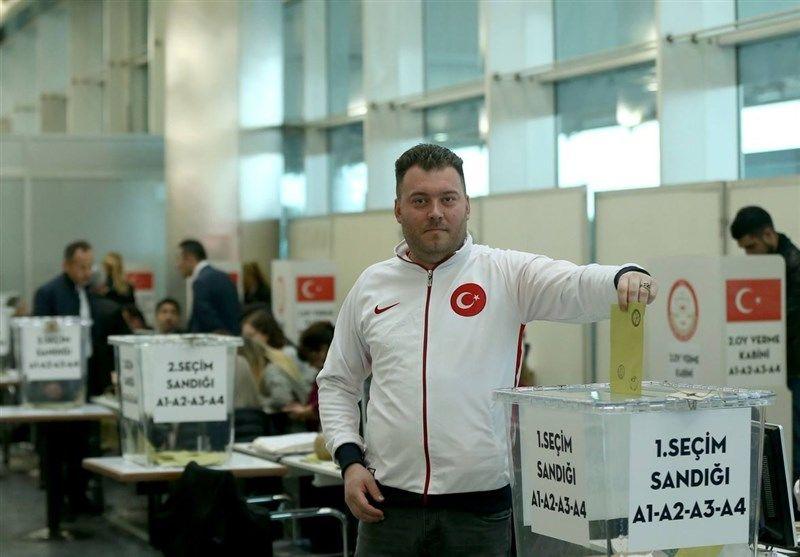 همهپرسی قانون اساسی ترکیه در خارج آغاز شد+ تصاویر