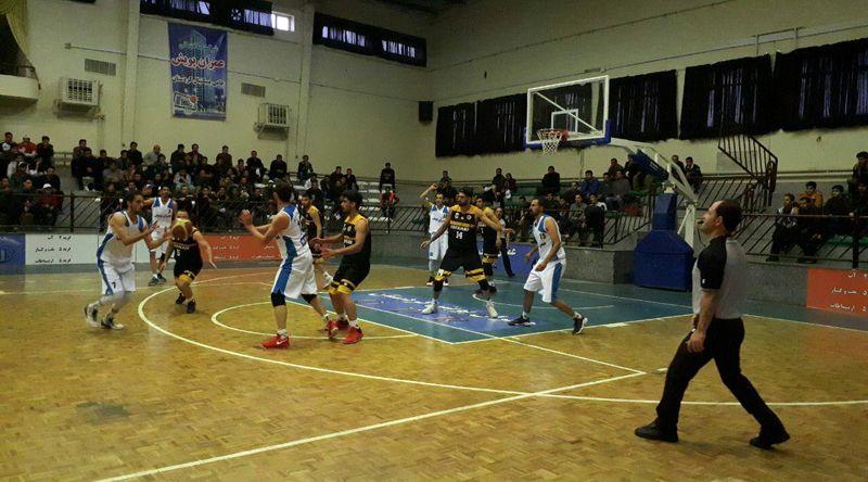 بسکتبالیست های کردستانی در خانه تیم اصفهان را با شکست بدرقه کردند