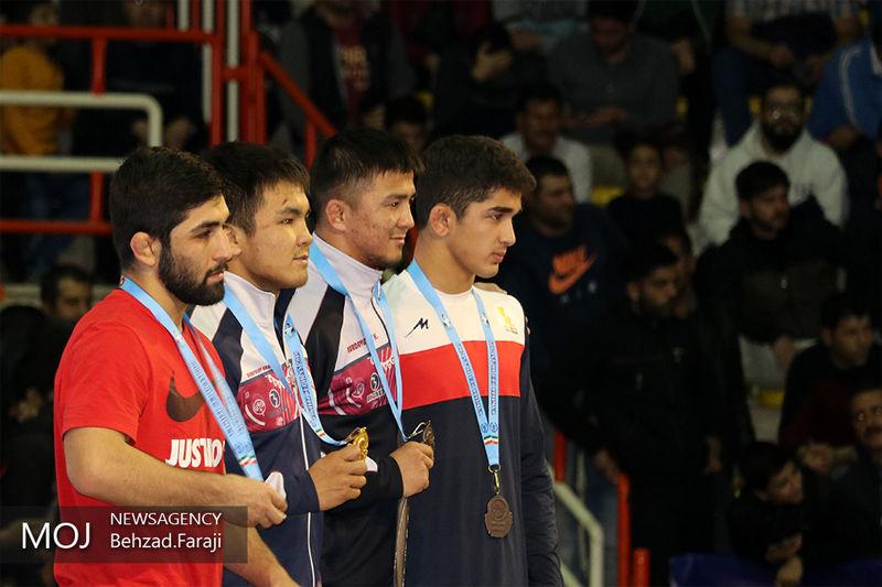 عنوان قهرمانی از آن تیم ایران شد/ کشتیگیران و تیمهای برتر مشخص شد