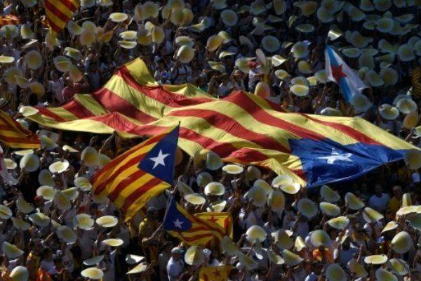 کاتالونیا 9 مهر همه پرسی جدایی از اسپانیا برگزار می کند