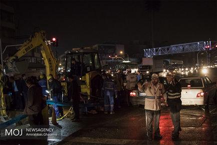 ترکیدگی لوله اصلی آب در میدان توحید (۲)