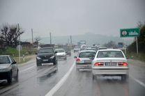 محورهای مواصلاتی اصفهان بر اثر بارش  برف و باران لغزنده است
