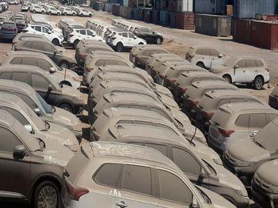 نواقص بانک مرکزی مانع اجرای مصوبه ترخیص خودروها از گمرک/14600 خودرو همچنان در پارکینگ گمرک